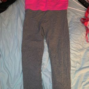 High waisted pink and grey three quarter length